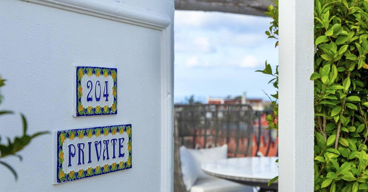 310MeliaVillaCapri-Rooftop_entrance