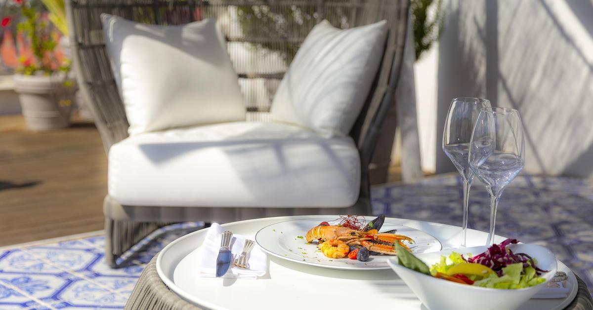 326MeliaVillaCapri-Lunch_at_Rooftop_Terrace