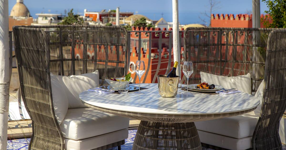 328MeliaVillaCapri-Lunch_at_Rooftop_Terrace